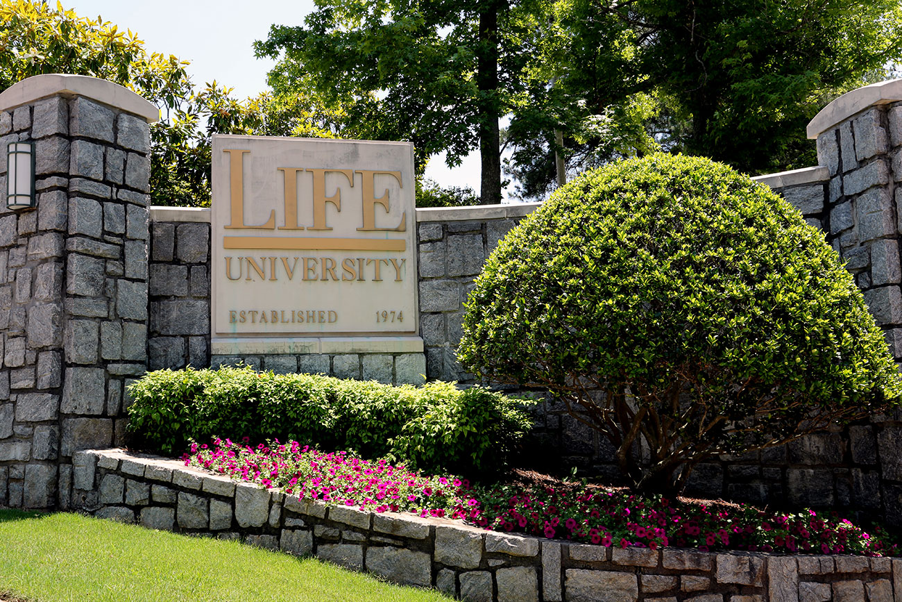 university and study essay Even if writing is not your subject of expertise, you can still write a brilliant university application essay most university applications require you to write a short essay that reflects your motivations toward higher education the essay should be engaging, unique and, most importantly, showcase .